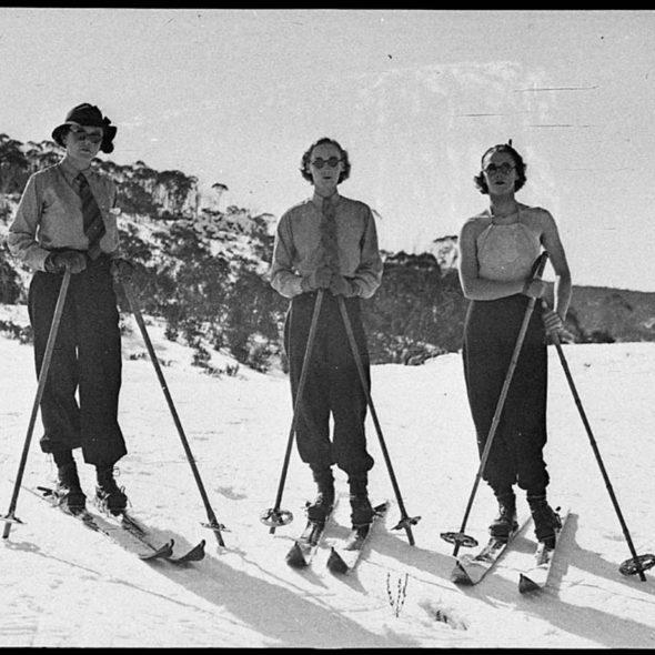 A. J. (Albert James) Perier, 1870-1964, Skiing near Mount Kosciusko, 1926, flic.kr/p/7x63mq